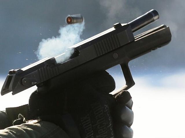 Sức mạnh kinh hoàng của khẩu súng lục chuyên cấp cho tình báo
