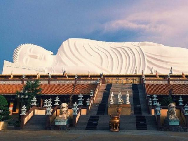 Chùa nào giữ kỷ lục về tượng Phật nhập niết bàn nằm trên mái dài nhất châu Á?