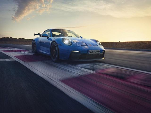Porsche 911 GT3 2022 ra mắt, chào giá các đại gia từ 13,2 tỷ đồng