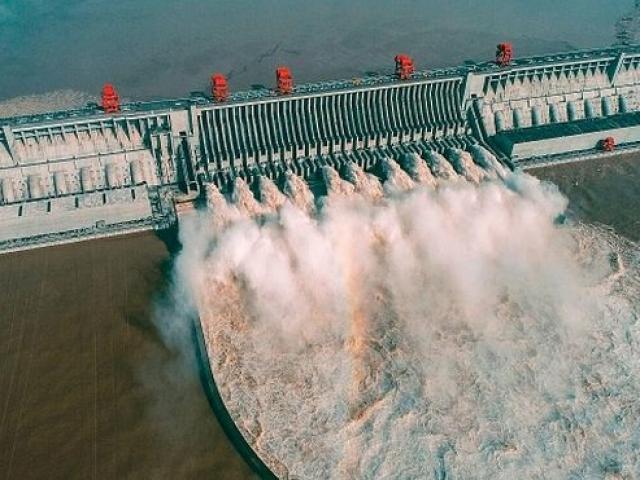 Vì sao TQ quyết xây đập thủy điện khổng lồ chưa từng có gần nơi từng bị động đất rất lớn