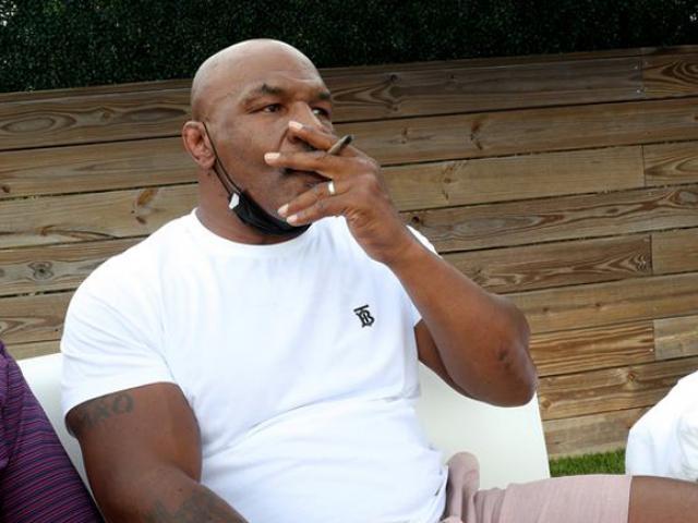 """Mike Tyson """"thác loạn"""" 3 tháng trên du thuyền, thú nhận dùng chất cấm"""