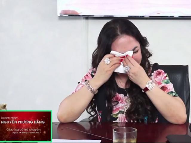 Bà Phương Hằng khóc nghẹn khi livestream, muốn giải thể Đại Nam, ra nước ngoài sinh sống