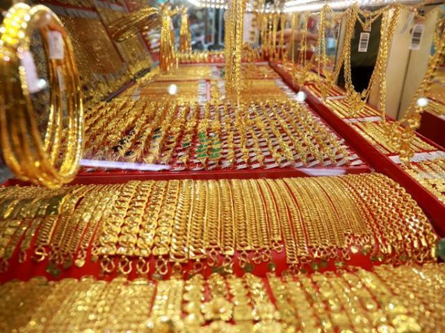 Giá vàng hôm nay 1/6: Tiếp tục leo đỉnh, vàng trong nước tăng lên mức cao nhất trong 9 tháng