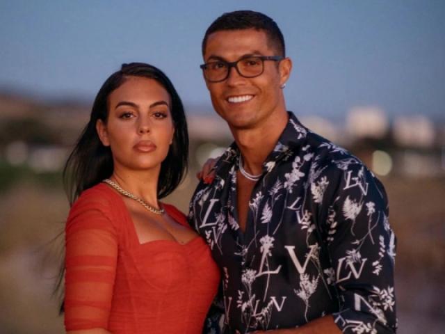 """Ronaldo mua nhà 212 tỷ đồng bị """"sờ gáy"""", chị gái đáp trả cực gắt"""