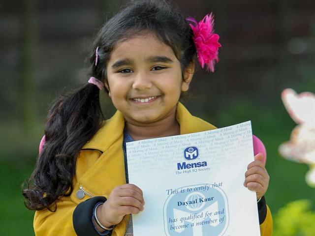 Bé gái 4 tuổi có IQ 142, chỉ kém Albert Einstein một chút