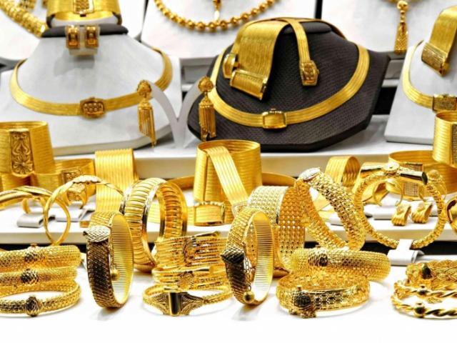 Giá vàng hôm nay 3/6: Vọt tăng khi dân buôn gom 8,3 tấn vàng