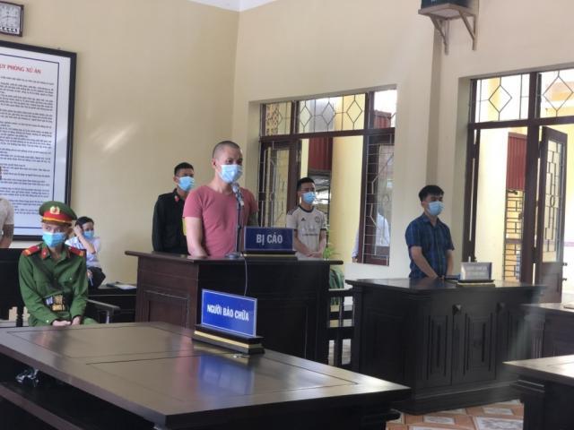 Đấm thành viên chốt kiểm dịch COVID-19 ở Bắc Giang, người đàn ông lĩnh án tù