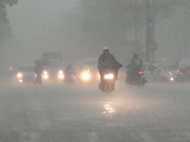 Bão số 1 thay đổi cường độ, miền Bắc lại sắp hứng đợt mưa to