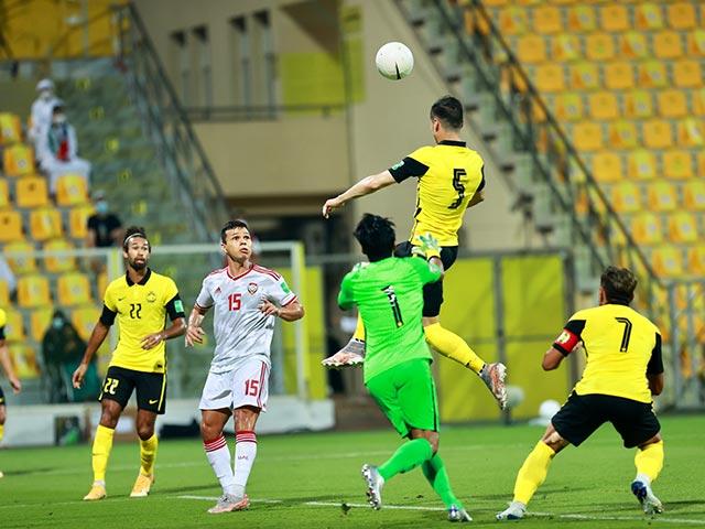 Trực tiếp bóng đá UAE - Malaysia: Suýt nữa Malaysia gỡ hòa