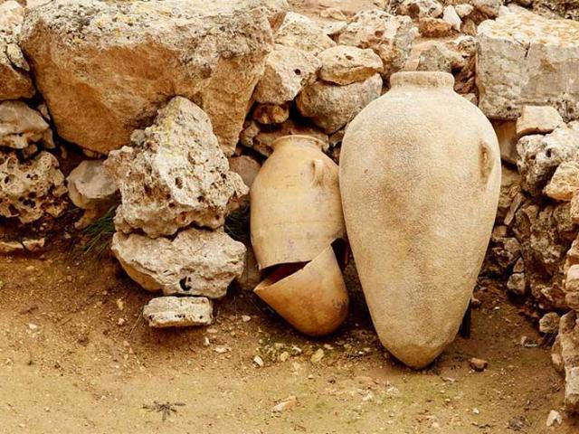Bí mật kinh khủng được phát hiện trong bình gốm bị nguyền rủa cách đây 2300 năm