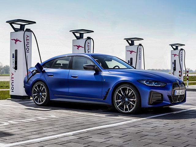 Xe điện BMW i4 M50 trình làng đi kèm giá bán hơn 1,5 tỷ đồng