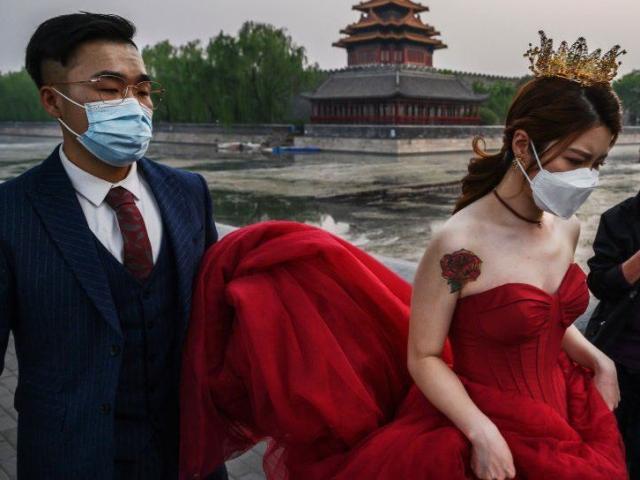 Trung Quốc cho phép sinh ba con và áp lực vô cùng lớn với phụ nữ