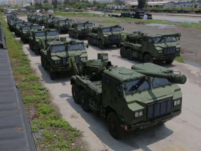 Nghị sĩ Mỹ tới Đài Loan, TQ tập trận nã pháo tầm xa suốt 10 tiếng từ ngày sang đêm