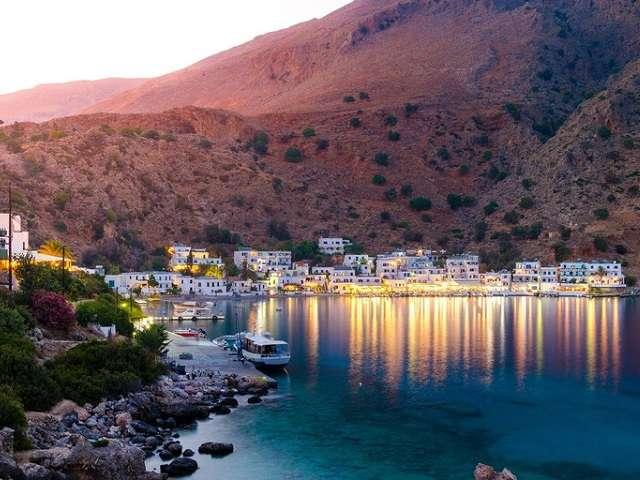 Khám phá những ngôi làng đẹp như cổ tích ở Hy Lạp