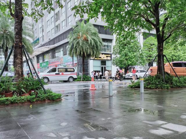 Nữ giúp việc rơi từ tầng 18 chung cư ở Hà Nội