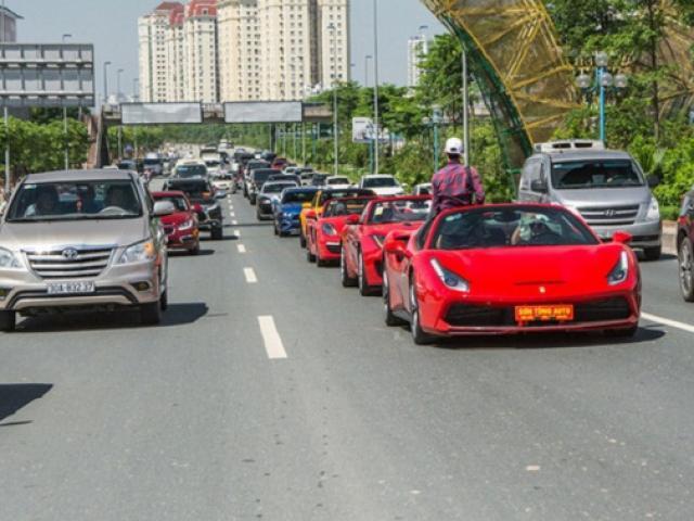 Bất ngờ, người đàn ông bán vải thiều Bắc Giang sở hữu dàn siêu xe trăm tỷ