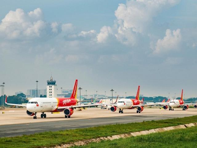 Hơn 100 máy bay của các hãng hàng không Việt Nam dừng khai thác vì không có khách