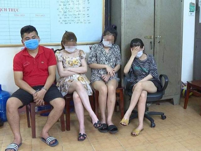 Nhiều cô gáimặc váy ngắn cũn cỡn thác loạn cùng bạn trai