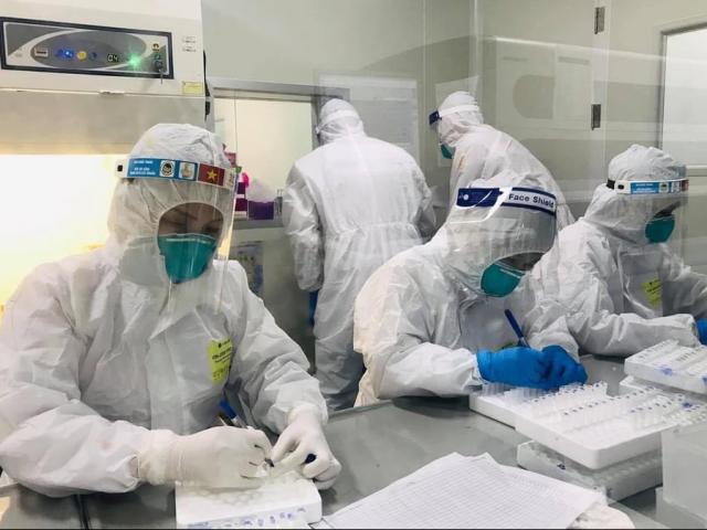 Đã có kết quả xét nghiệm SARS-CoV-2 của 242 người liên quan đến phụ nữ bán rau ở Hà Nội