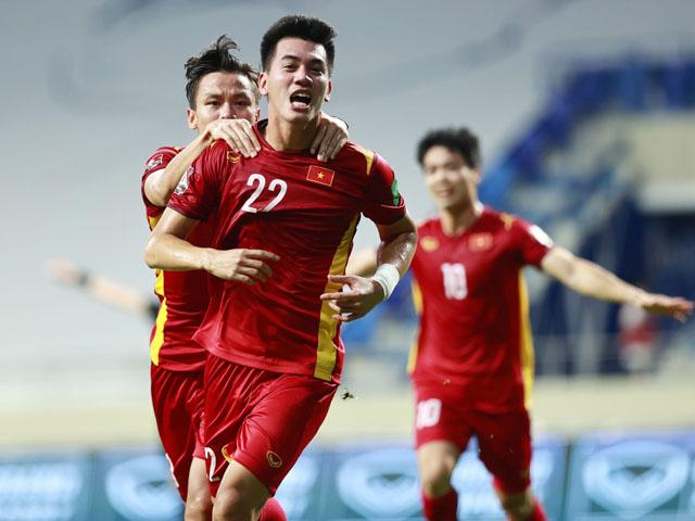 FIFA ca ngợi chiến thắng của ĐT Việt Nam trước Malaysia, lo ngại 2 chân sút UAE