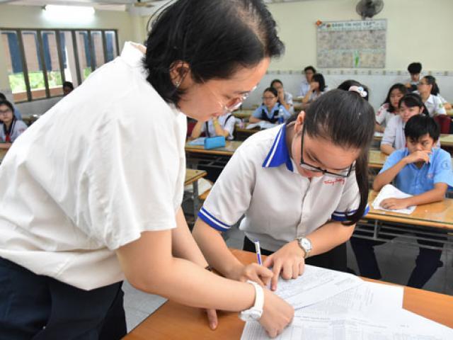 Sáng nay, hơn 93.000 thí sinh Hà Nội tiếp tục thi hai môn Toán và Lịch sử