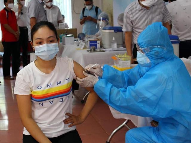 22 nhân viên y tế BV Bệnh Nhiệt đới TP.HCM mắc COVID-19: Cảnh giác dù đã tiêm đủ 2 mũi vắc-xin