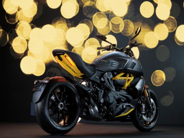"""Siêu """"quỷ"""" 2022 Ducati Diavel 1260 S lộ diện, mang màu đen xám mạnh mẽ"""