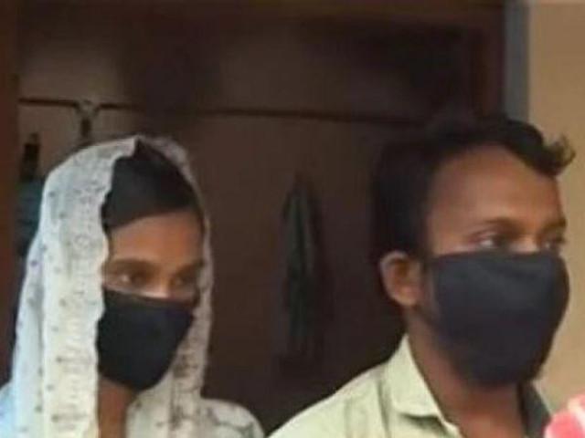 Người đàn ông Ấn Độ giấu bạn gái trong phòng riêng suốt 10 năm, không ai hay biết