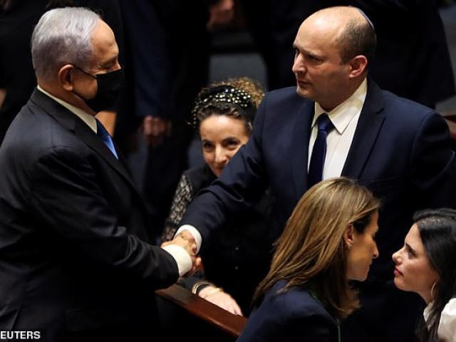 """""""Kỷ nguyên"""" Netanyahu chấm dứt, Israel có Thủ tướng mới sau 12 năm"""