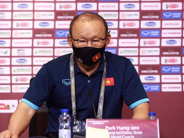 Trực tiếp họp báo ĐT Việt Nam đấu ĐT UAE: Thầy Park toan tính gì trước đại chiến
