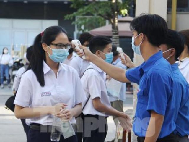 Đà Nẵng chính thức thi vào lớp 10, hơn 16.000 người được xét nghiệm COVID-19