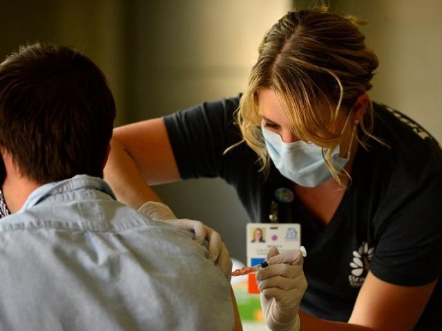 Nơi đứng đầu thế giới về tiêm vaccine đánh bại Covid-19
