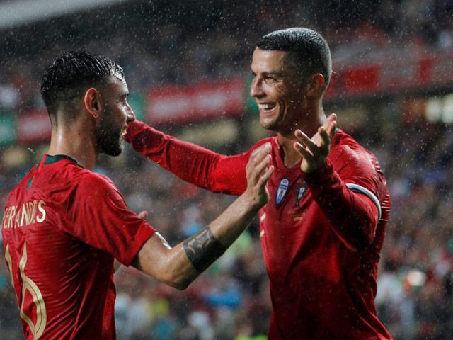 Ronaldo sắp đá kỳ EURO thứ 5: Bất ngờ nói về tương lai, Juventus lo nơm nớp