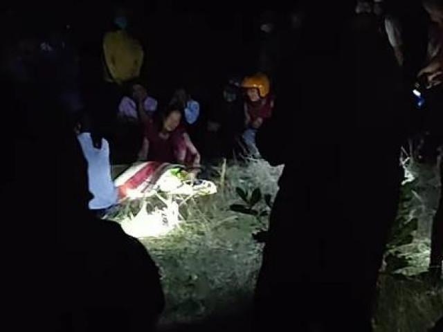 Tá hỏa phát hiện 2 thi thể nam giới trong đêm