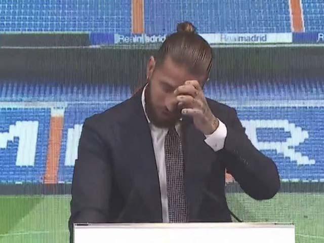 """Sergio Ramos khóc trong ngày chia tay, tố Real Madrid """"lật lọng"""" vụ hợp đồng"""