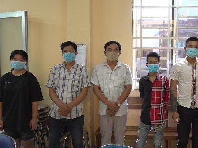Công an bắt băng chém trước, cướp sau ở Sài Gòn