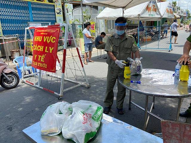 TP.HCM: Phong tỏa ba khu phố ở quận Bình Tân từ 0h đêm nay