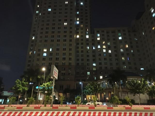 Người đàn ông tử vong trước sảnh chung cư ở Sài Gòn