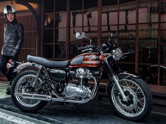 Kawasaki W800 2022 trình làng: Lịch lãm và mạnh mẽ