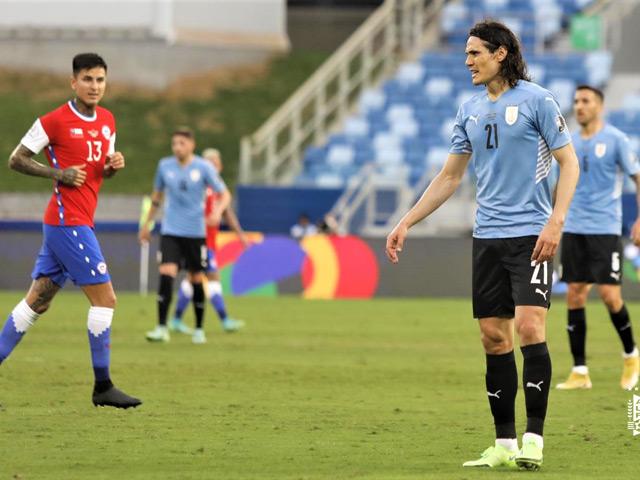 """Video Uruguay - Chile: """"Tội đồ"""" Vidal, bữa tiệc dang dở (Copa America)"""