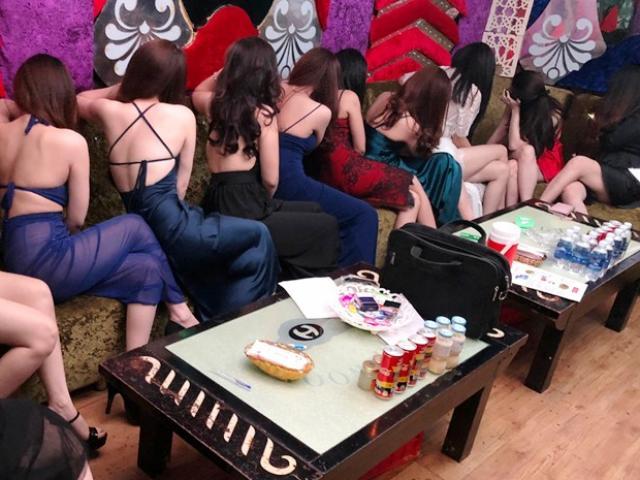 11 cô gái và bữa tiệc sinh nhật trụy lạc trong phòng trọ