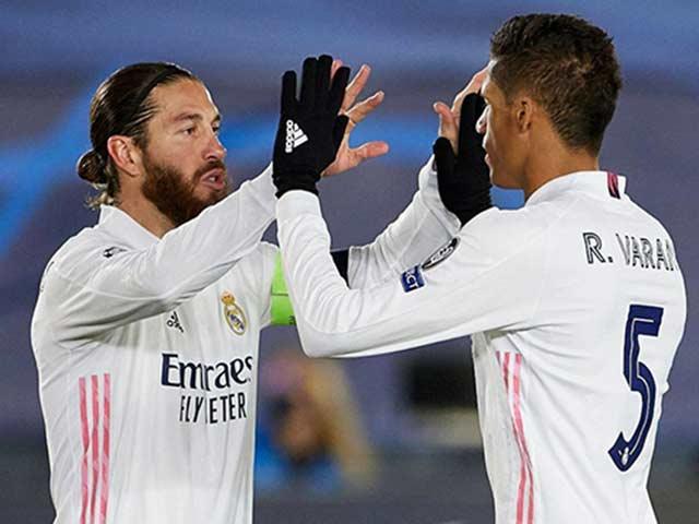 Ramos thông báo cho đồng đội sẽ về PSG, cơ hội Varane đến MU tăng cao