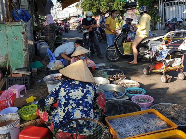 TP.HCM tìm người từng đến chợ có chuỗi 43 ca mắc COVID-19 ở Bình Tân