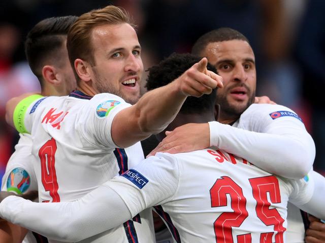 Kịch tính 8 cặp đấu vòng 1/8 EURO: Nhà cái lo cho Bồ Đào Nha, kỳ vọng Anh vượt Đức