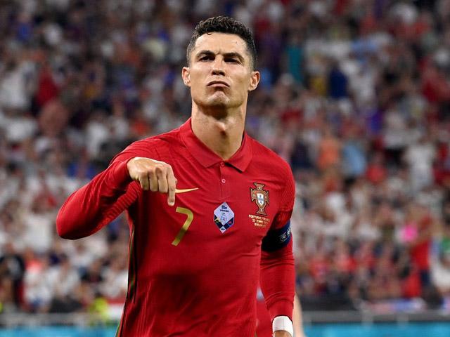 Kịch tính đua Vua phá lưới EURO: Ronaldo bứt phá, Lewandowski hết cửa