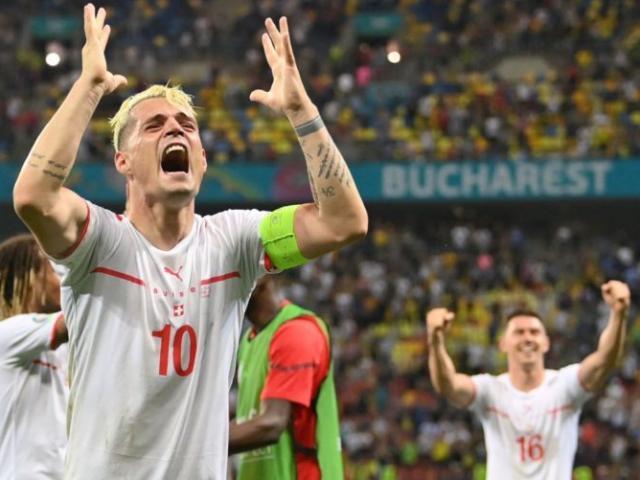 Thụy Sĩ hạ Pháp: SAO hay nhất Xhaka hành động bất ngờ, fan cà khịa Ronaldo