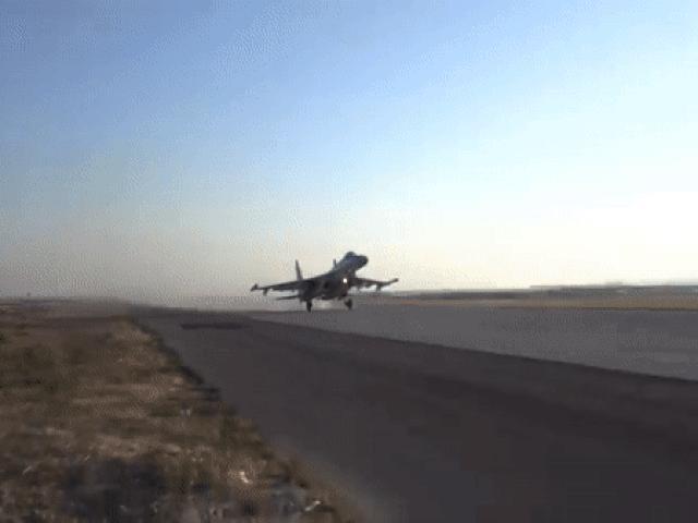 Xem tiêm kích MiG-31K và máy bay ném bom Tu-22M3 cùng diễn tập ở Địa Trung Hải
