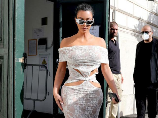 Kim Kardashian bị la ó vì bất chấp quy định trang phục tại vùng đất thánh Vatican