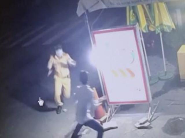 Né chốt kiểm dịch để đi nhậu, gã trai còn tấn công cảnh sát giao thông