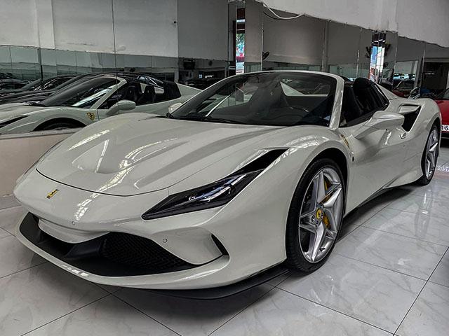Chi tiết siêu xe Ferrari F8 Tributo màu trắng độc nhất Việt Nam